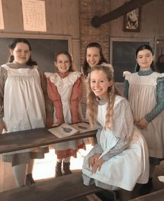 Diana Barry, Anne Of Avonlea, Gilbert And Anne, Amybeth Mcnulty, Anne White, Gilbert Blythe, Anne With An E, Anne Shirley, The Avengers