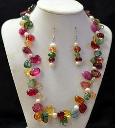 Multi-colored natural stone set with pearls