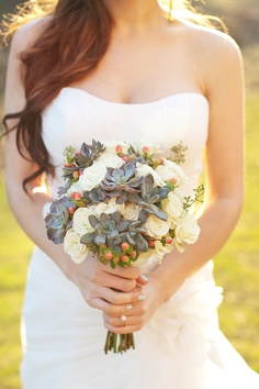 Love this.....especially the succulents mixed with the flowers and berries awesome bouquet idea!