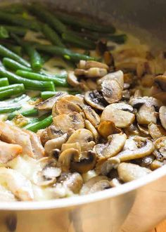 One Skillet Chicken with Green Beans and Mushrooms boasts fresh ingredients only. You will not find any canned cream soup here. Green Bean Dishes, Green Bean Recipes, Chicken Green Beans, Stuffed Mushrooms, Stuffed Peppers, Chicken Mushrooms, Mushrooms Recipes, Cooking Recipes, Healthy Recipes