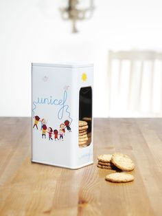 cookie tin