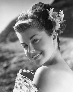 A Tribute: The Million Dollar Mermaid Swims Out Of Our Lives. All About The Lovely Esther Williams. (35 photos)