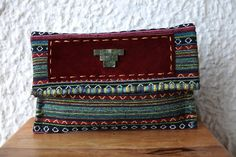 Ethnic Clutch Bag/Boho Handwoven by LePetitElephantShop on Etsy Aztec Bag, Jute Fabric, Fabric Bags, Large Clutch Bags, Ethnic Bag, Oversized Clutch, Floral Clutches, Casual Look, Clutch Purse