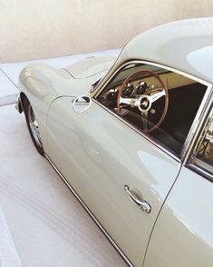 Hoy toca sacar a nuestra joya 💍!Nuestro Porsche 356!!👊A que es precioso?🌸🍁☘️Pues puedes alquilarme para tu evento!!💫💫💫Llámanos! 🔊🔊🔊#atrezzo #alquilame #rentme #rent #porsche #356 #porsche356 #spot #tv #shooting #model #models #foto #fotografo #cochesclasicos #clasico #vintage #old #oldskool #flat4ever #amazing