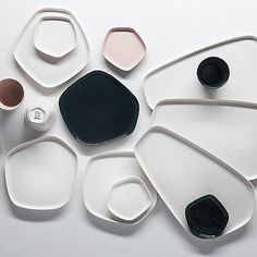The small porcelain dish in the Pentagon design by Iittala X Issey Miyake for sauces and snacks, now available in the home design shop Pentagon Design, Issey Miyake, Ceramic Plates, Ceramic Pottery, Porcelain Ceramics, Wooden Plates, Assiette Design, Stockholm, Design Japonais