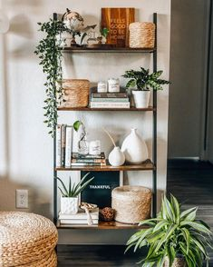 Bookshelves In Living Room, Decorating Living Room Shelves, Living Room Shelving, Bedroom Shelves, Book Shelf Decorating Ideas, Shelf Ideas For Living Room, Home Ideas Decoration, Shelf Decorations, Baby Room Shelves