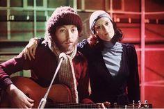 Richard Thompson with his first wife, singer Linda, in 1975 Richard Thompson, Linda Thompson, Fairport Convention, Zara Phillips, Jack White, Badass Women, Folk Music, Bruce Springsteen, Music Icon