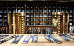 Replay flagship store www.instorevoyage.com #in-store marketing#visual merchandising