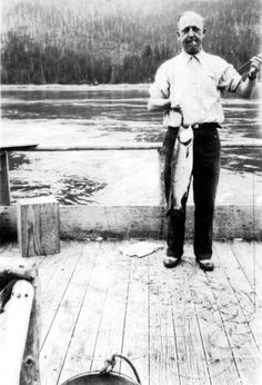 This vintage fishing photo from Stuart Island, British Columbia, 1927 shows us how to dress for a bit of sport: top button done up, two-tone brogues. Well done sir Catfish Bait, Catfish Fishing, Pike Fishing, Kayak Fishing, How To Catch Catfish, I Love Lucy Show, Fishing Photos, Fish Tales, Fishing Photography