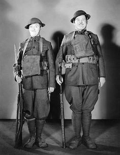 Laurel And Hardy Movies, Laurel Et Hardy, Stan Laurel Oliver Hardy, Hollywood Actor, Hollywood Stars, Old Hollywood, Comedy Duos, Comedy Films, Lauren Hardy