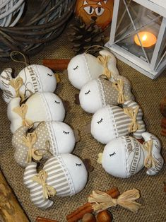 Vánoce (s)něžné - stromeček / Zboží prodejce kajrka | Fler.cz Fabric Fish, Fabric Birds, Handmade Christmas Decorations, Christmas Crafts, Christmas Ornaments, Diy Craft Projects, Diy Crafts For Kids, Sewing Toys, Sewing Crafts