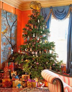 Chinoiserie Chic: A Chinoiserie Christmas - Suzanne Rheinstein
