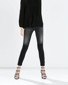 Image 3 de PANTALON DENIM TAILLE BASSE SKINNY de Zara