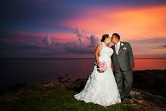 Japanese inspired wedding/ Bride and Groom kiss on the beach/ Melissa Hearts Weddings/ The Rusty Pelican/ Limelight Photgraphy/ www.stepintothelimelight.com