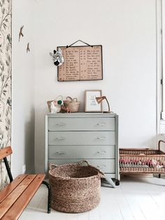 love the muted colors and that little bench