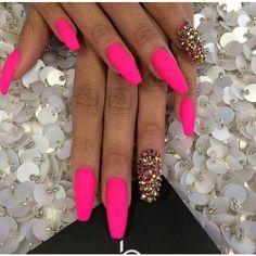 nails Tumblr We Heart It ❤ liked on Polyvore featuring beauty products, nail care, nail treatments, nails and nail polish