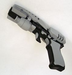 EM33 Phase Pistol - forerunner of the phaser - Star Trek Enterprise