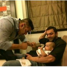 So Adorable #DoubleTap for the Cute pic of Salman & Sohail Mamu  playing with little Ahil  #bollywoodactors #bollywoodfashion #bollywoodfans #salmankhanno1worldwide #salmankhanmerijaan #salmankhan #sohailkhan #khanbrothers #ahil #followfortags #tagsforlikes #likesforfollow #likes #instalike #instapic #instacool #instacute #instablogger #fashionblogger