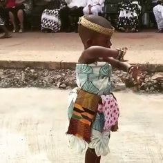 Funny Babies, Cute Babies, Ghana Traditional Wedding, Afro Dance, Vintage Black Glamour, African Diaspora, Sexy Teens, Dance Fashion, Dance Videos