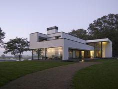 Maas Architecten » woonhuis gorssel // stucwerk modern villa strak minimalistisch glas wit
