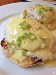 Dungeness Crab Benedict ~ This is my FAVORITE breakfast item! This blogger links to another page of her's with other options of Eggs Benedict ~ ENJOY!