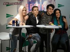 WOWssip World: Fotos firma de discos Sweet California en Madrid