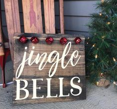 Christmas Wooden Signs, Christmas Wood Crafts, Country Christmas Decorations, Farmhouse Christmas Decor, Rustic Christmas, Christmas Art, Christmas Projects, Winter Christmas, All Things Christmas