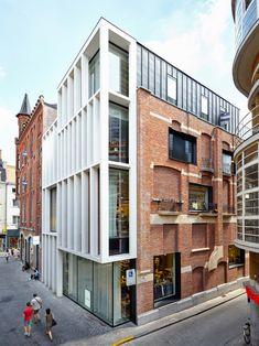 Abscis Architecten, Dennis De Smet · Conversion of a historic building, Korenmarkt Ghent · Divisare