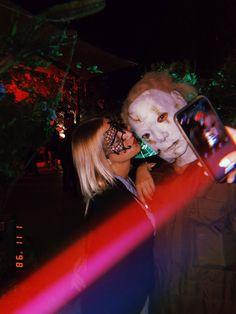 Ibiza im Oktober: So schön ist Ibiza in der Nebensaison - das war die Halloween-Party in Las Dalias Halloween Fotos, Halloween Party, Blog, Concert, Dahlias, Halloween Night, Vacation Places, Old Town, Tourism