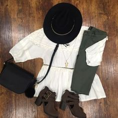 Olive pants are pretty much a wardrobe essential for this fall (and you can never have too many boho tops, right?)! Denim: Item 922BM1 $60 // Top: 922BM2 $38