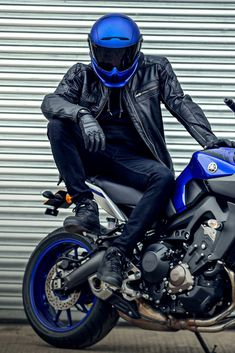 Blue Motorcycle Helmets, Motorcycle Bike, Mt 09 Yamaha, Cool Car Backgrounds, Biker Photoshoot, Cb 1000, S1000r, Motorcycle Photography, Yamaha Motorcycles