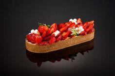 Strawberry, Fruit, Bakery Store, Cakes, Recipes, Ideas, Food Cakes, Strawberry Fruit, Strawberries