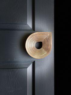 Main Entrance Door Design, Front Door Design, Knobs And Knockers, Door Knobs, House Extension Design, House Design, Door Pull Handles, Wooden Handles, Furniture Handles