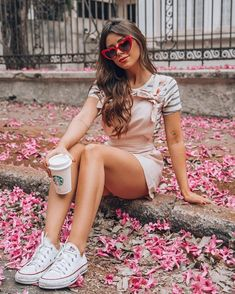 Photography Poses Women, Tumblr Photography, Best Photo Poses, Foto Casual, Instagram Pose, Insta Photo Ideas, Poses For Pictures, Tumblr Girls, Girl Photos