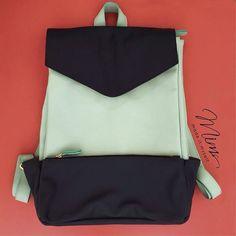 Mochila sonho nas cores preto e verde menta www.mimsbags.com #criesuabolsa #mochila #mochiladecouro