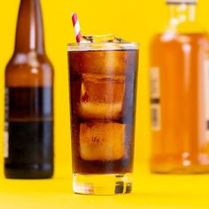 When Was the Last Time You Had a Bourbon & Root Beer? Spicy Drinks, Bourbon Cocktails, Classic Cocktails, Alcoholic Beverages, Bar Drinks, Cocktails To Try, Summer Cocktails, Beer Cocktail Recipes, Recipes Dinner