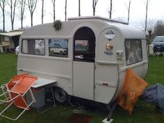 Sy Design Ramblings: Inspiration, Vintage Camping Trailers and Caravans, great windows.