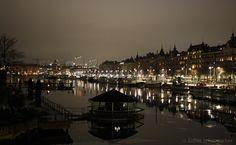 Stockholm ist die größte Stadt Skandinaviens, obwohl sie gerade einmal eine Million Einwohner zählt. Sie umfasst etwa 30.000 Inseln, die eine wunderschöne Kostprobe von der unberührten Natur Schwed…