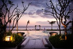 Our Sunset Lawn offers spectacular setting and dramatic views for your #SooriWeddings.