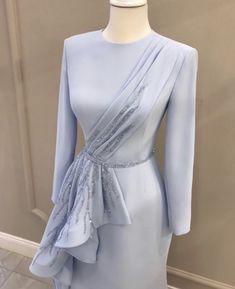 Source by khairiahhamid dresses hijab Hijab Evening Dress, Hijab Dress Party, Evening Dresses, Simple Dresses, Elegant Dresses, Pretty Dresses, Beautiful Dresses, Abaya Fashion, Modest Fashion
