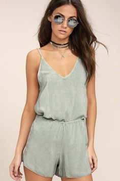 The Project Social T Tropez Washed Sage Green Two-Piece Set makes everyday a vacation! Lightweight woven rayon has a worn-in look across the tank top of this flirty set, with spaghetti straps, a V-neckline, and darted, wide-cut bodice. The matching shorty-shorts have an elasticized waist.