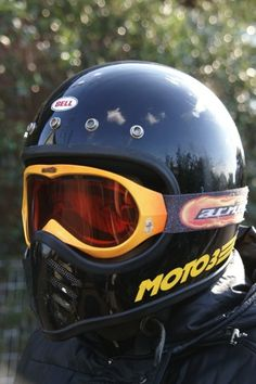 ビンテージヘルメット!【BELL MOTO3】 | HIGH&LOW Bell Moto 3, Retro Motorcycle Helmets, Moto Scrambler, Vintage Helmet, Custom Helmets, Honda Cb, Headgear, Motocross, Cars And Motorcycles
