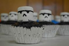 Stormtrooper Marshmallow Cupcakes