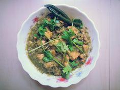 Kunjaminas Recipes: Green chicken gravy recipe | Chicken recipe