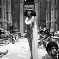 Egypt Movie, Ancient Egypt Art, Savage Worlds, Cool Photos, Interesting Photos, Scantily Clad, Sword And Sorcery, Egyptian Art, Cleopatra