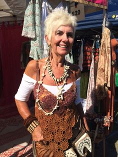 I Like Your Style | Alternative Ageing 60 Fashion, Fashion Beauty, Beautiful Old Woman, 50 And Fabulous, Advanced Style, Ageless Beauty, Aging Gracefully, Style And Grace, Boho Outfits