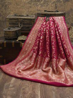 Red Saree Wedding, Formal Dance Dresses, Saree Designs Party Wear, Weave Shop, Indian Bridal Outfits, Online Collections, Banarasi Sarees, Saree Collection, Sarees Online