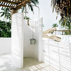 lizard project outdoor shower bucket shower head - outside showers - reminiscent of greece architecture Outdoor Baths, Outdoor Bathrooms, Outdoor Rooms, Outdoor Gardens, Outdoor Living, Outdoor Life, Outside Showers, Outdoor Showers, My Dream Home