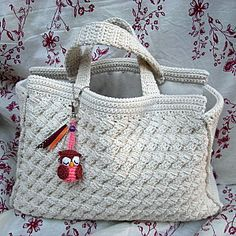 Crochet bag with owl accent