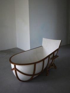 Unusual Bathtub - http://homeypic.com/unusual-bathtub/